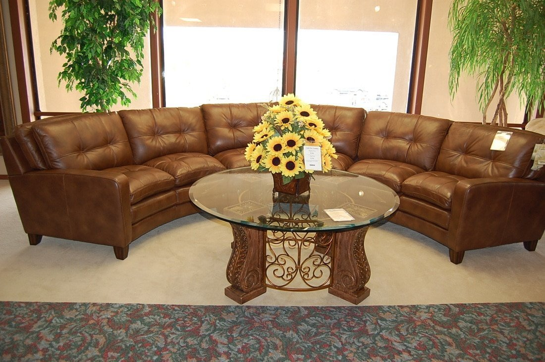 https://www.castlefinefurniture.com/wp-content/uploads/2017/01/Leather-Living-Rooms-5-1100x731.jpg